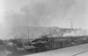 Burning railcars at Hof
